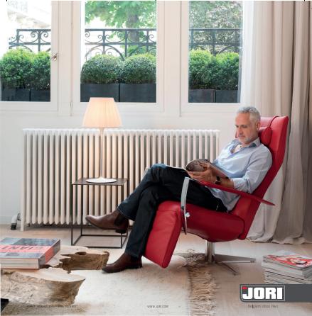 3 GRÖßEN, 2 BEWEGUNGEN, 1 ZIEL : KOMPLETTE ENTSPANNUNG Komfortabler können Sie sie nicht finden. Die Relax- und TV-Sessel von JORI sind entworfen, um Ihnen die komplette Entspannung zu  bieten. Spitzendesign maßgeschneidert! Sie wählen den Design. Sie wählen die Bewegung, Relax- oder TV-Sessel, und schließlich wählen  Sie die Größe: mini, medi oder maxi. Kurz gesagt, himmlischer Sitzkomfort.